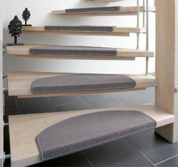 Treppenstufenmatten-innen-in-Grau