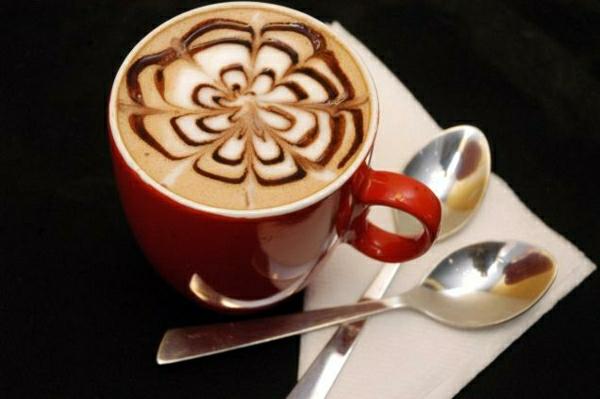 verzierte Tasse Kaffee
