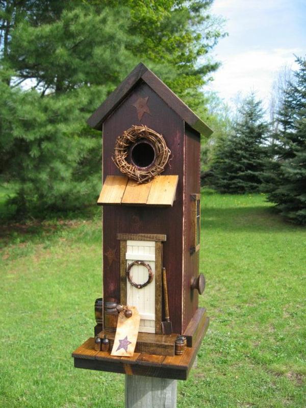 Vogel-Futterhäuser-aus-Holz-selber-machen