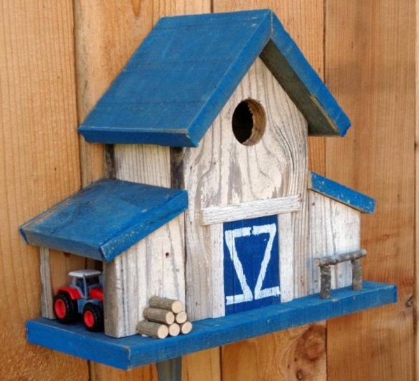 Vogel-Häuser-aus-Holz-Design-Blau