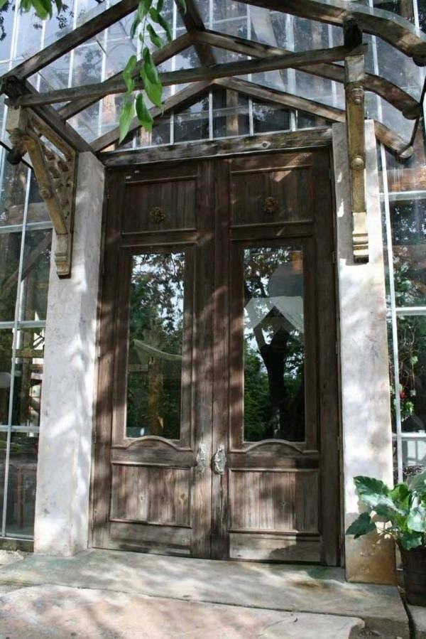 Vordach-aus-Holz-und-Glas-Design-Idee