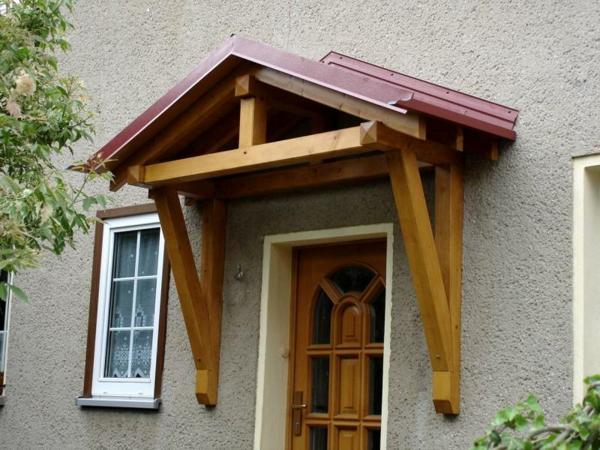 Vordach-aus-Holz-Design