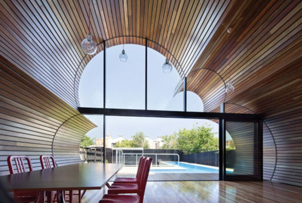 attraktives-designer-haus-in-wolkenform-originell-pool-resized