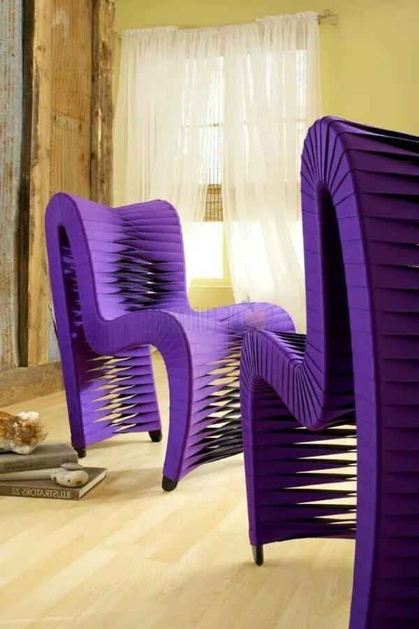 bequeme-elegante-Stühle-in-Lila-originelles-Design