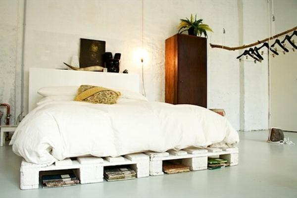 bett-aus-paletten-in-weiß - schöne gestaltung - moderne gestaltung
