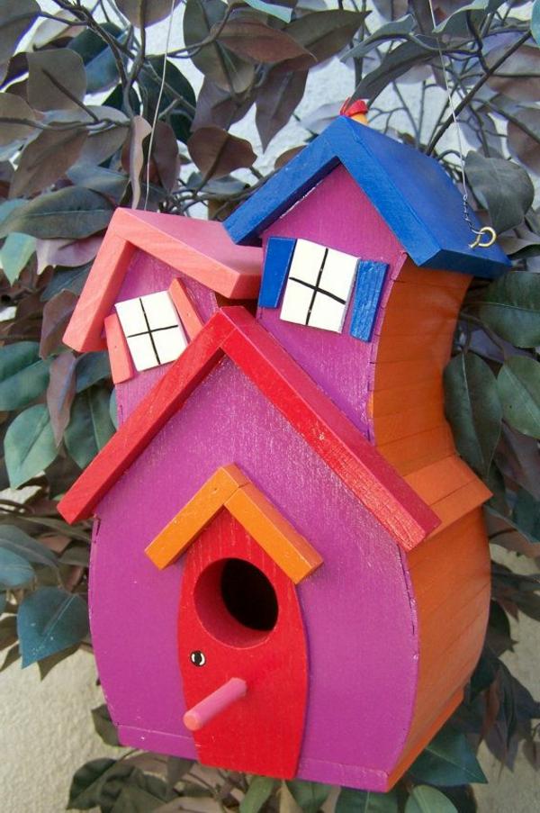 buntes-Futterhaus-für-Vögel-aus-Holz-Ideen