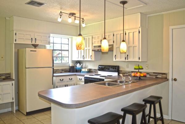 coole-Bar-in-der-Küche-Design-Idee