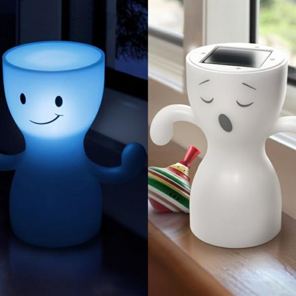 coole-Lampe-für-Kinderzimmer-Blau