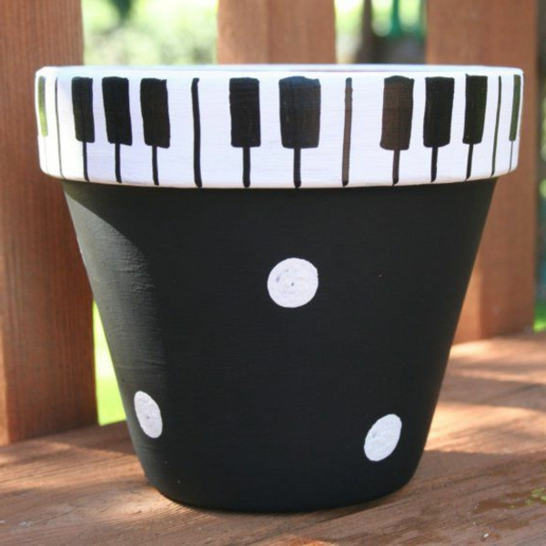 dekorative-Blumentöpfe-Ideen-Piano-Dekoidee