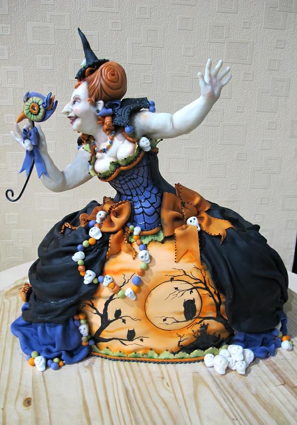 eine-hexe-idee-für-halloween-torten