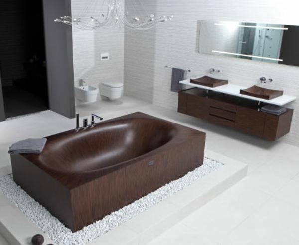 elegante-stilvolle-Badewanne-aus-Holz-dunkle-Farbe