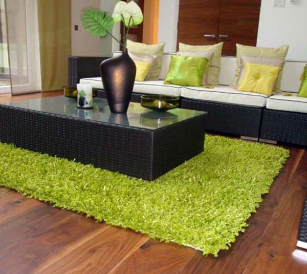eleganter-grüner-Teppich-Wohnzimmer-Design-Idee