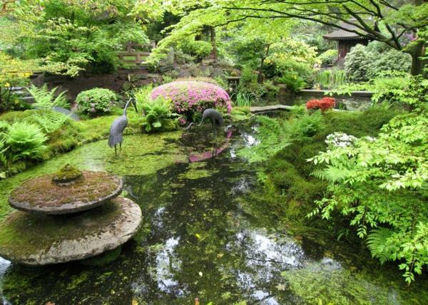 erstaunlicher-Gärten-in-Japanischem-Stil-Teich