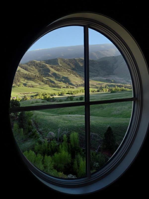 fantastische-Aussicht-Fenster-in-runder-Form