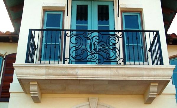 fantastisches-Design-Geländer-für-einen-Balkon
