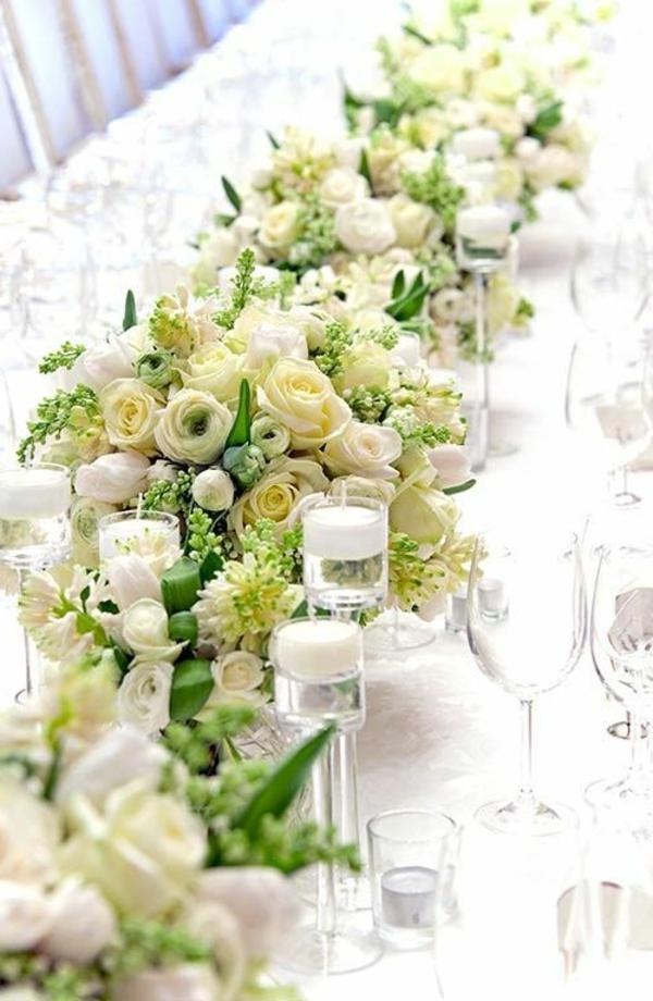faszinierende-Tischdekoration-in-Grün-und-Weiß-Hochzeitsstrauß