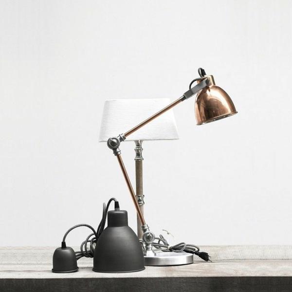 funktionelle-flexible-lampe-für-schreibtische