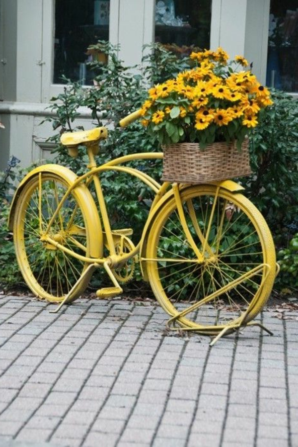 Wundersch ne bunte gartendeko - Deko fahrrad garten ...