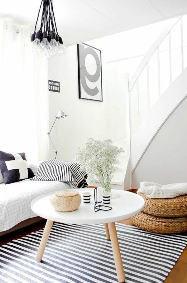 gestreifter-Teppich-in-Schwarz-und-Weiß
