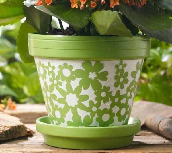 grüner-Blumentopf-bemalen-grüne-Farbe
