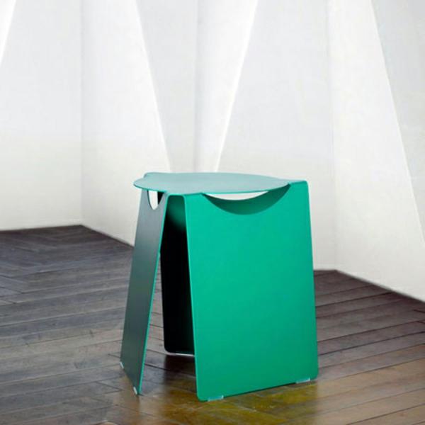 schöner-grüner-papphocker-für-zuhause