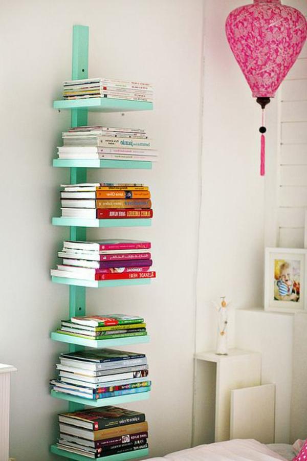 grünes-Regal-für-Bücher-in-Grün