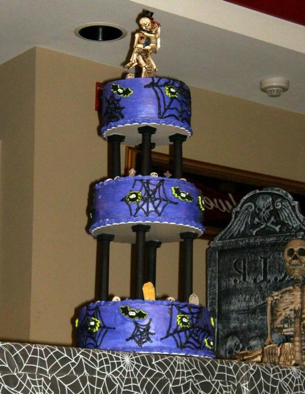 halloween-torten-auf-drei-etagen