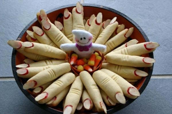 halloween-torten-finger