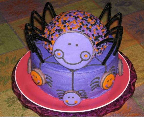halloween-torten-lila-spinne