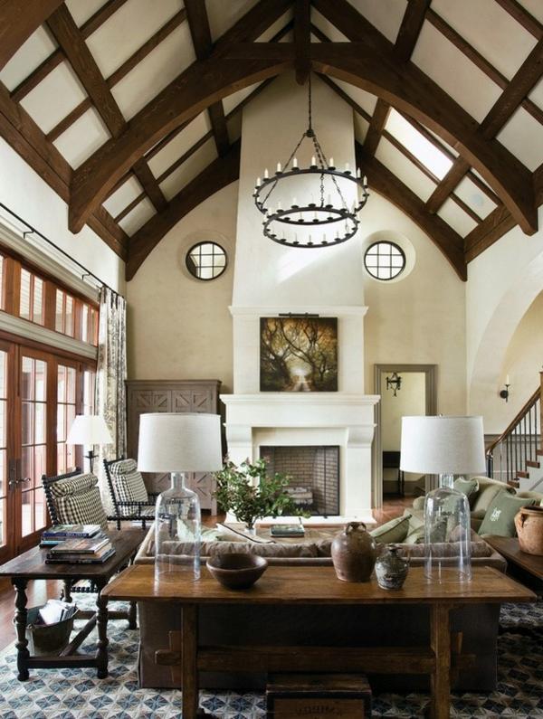 hohe-decke-für-ein-elegantes-wohnzimmer