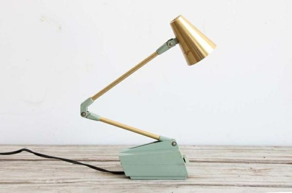 interessante-Schreibtischlampe-für-Zuhause-Idee