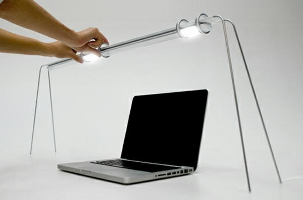 interessante--Schreibtischlampe-mit-kreativem-Design-Idee