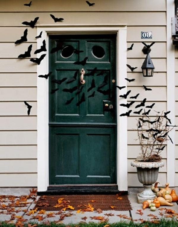 interessante-halloween-deko-ideen-vor-der-tür