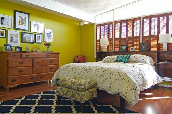 jalousien-aus-holz-in-einem-bunten-schlafzimmer