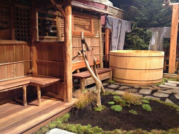 japanische-badewanne-interessantes-aussehen