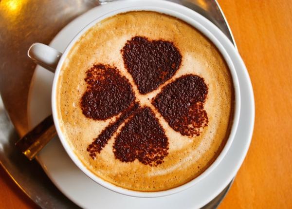 kaffeeart-aus-schaum-deko-idee
