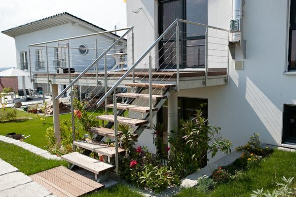 klassische-Treppe-mit-Holzstufen-Idee