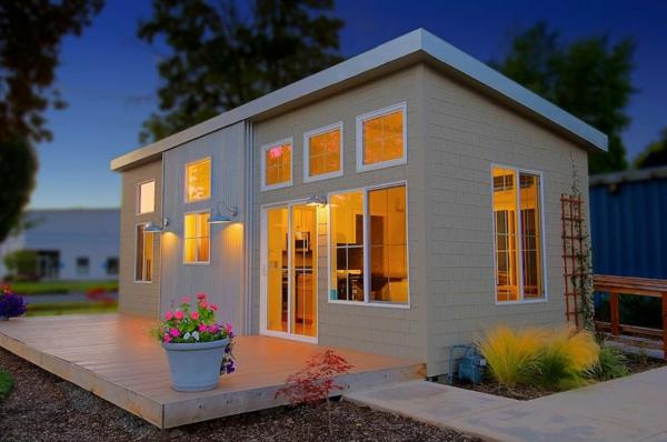 kleines-haus-bauen-mit-einem-originellen-dach