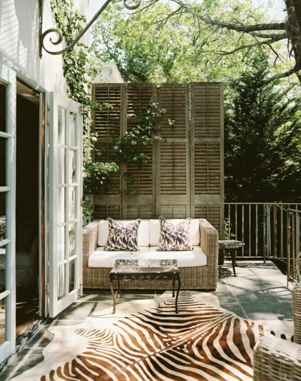 kletterpflanzen-für-balkon-einmalige-atmosphäre