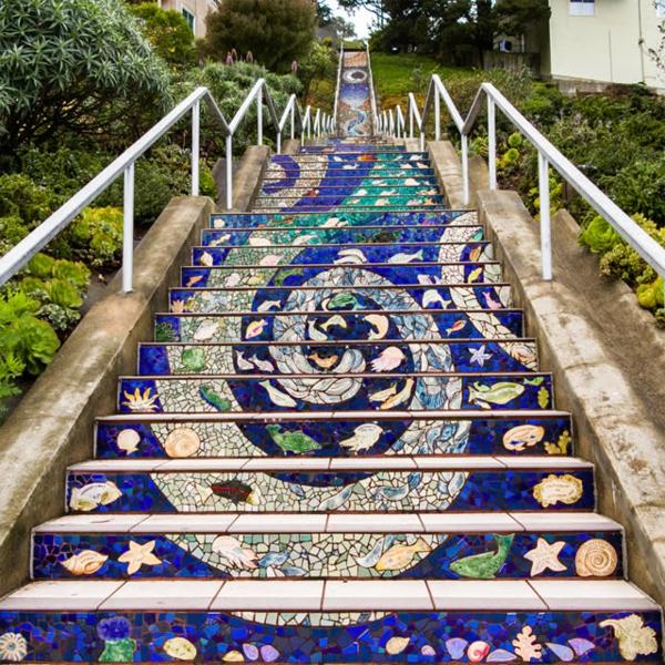 kreative-Außentreppen-Art-Mozaik