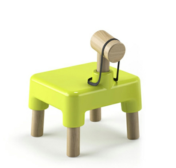 kreativer-Kinderstuhl-in-limegrüner-Farbe-Idee