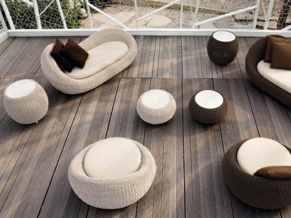 coole ideen f r einen polyrattan hocker. Black Bedroom Furniture Sets. Home Design Ideas