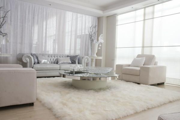 luxuriöses-Wohnzimmer-Teppich-in-weißer-Farbe-Idee