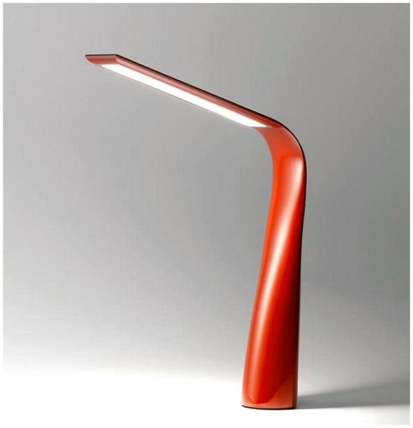 moderne-.Schreibtischlampe-mit-originellem-Design-