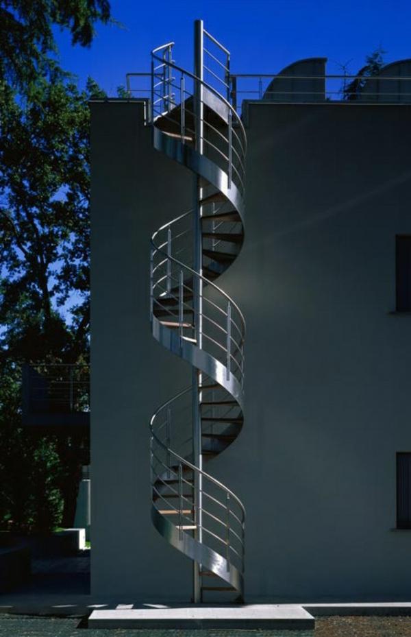 moderne-Architektur-extravagante-Spindeltreppe