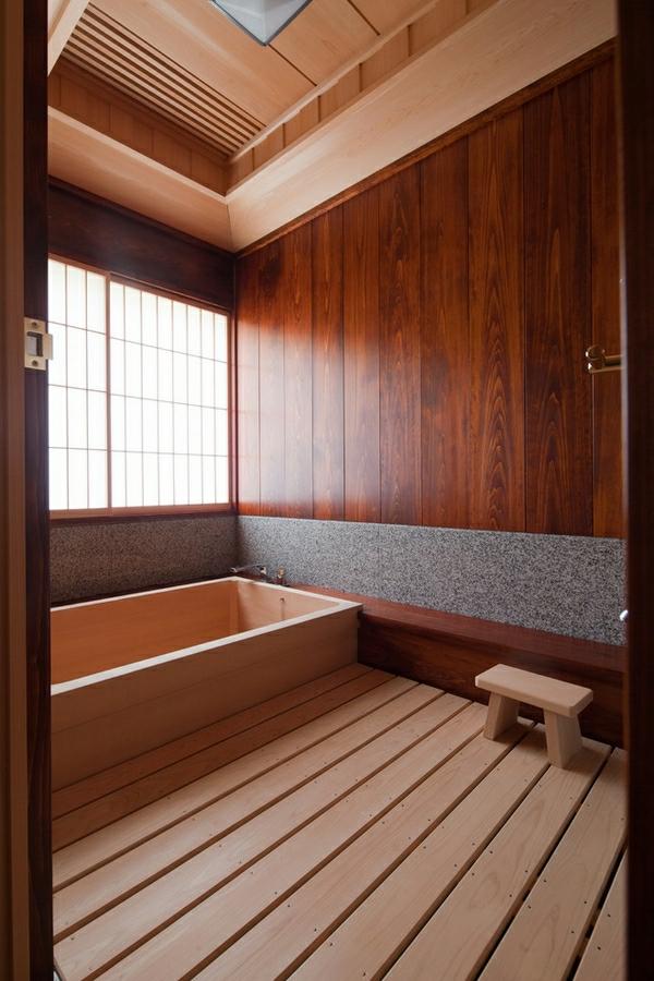 moderne-japanische-badewanne