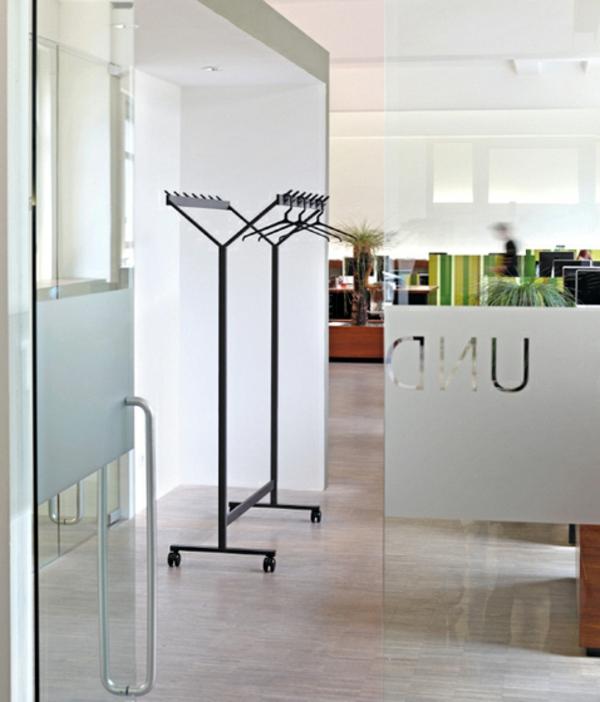 moderne-kleiderhänbger-cooles-design-ausgefallene-wohnaccessoires