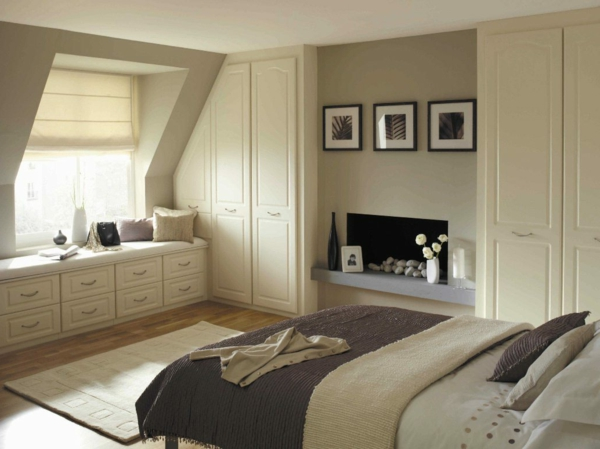 schlafzimmer in hellen farben - mit weißen schränken