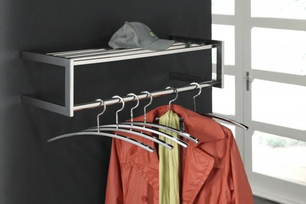 modernes-design-von-kleiderstange-für-wand