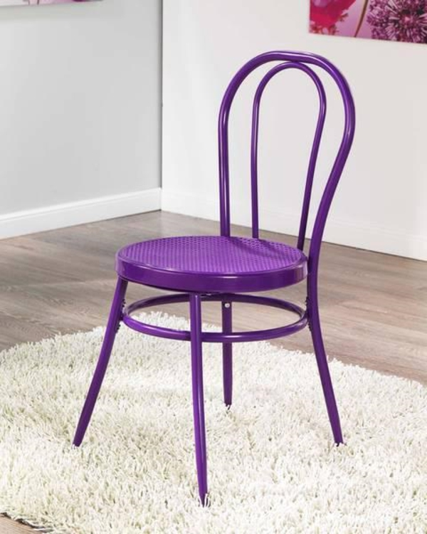 neuer-cafestuhl-in-violett